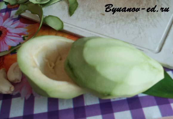 разделываем авокадо