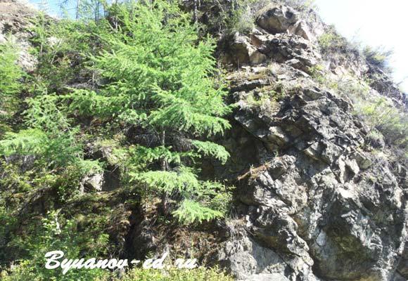 скалы на байкале