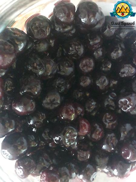 вкусные плоды чёрной ягоды