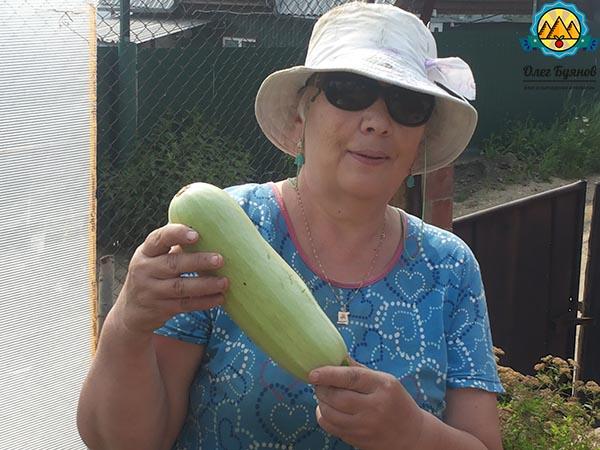 мама с кабачком